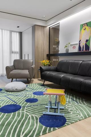 90平现代风装修地毯沙发搭配图
