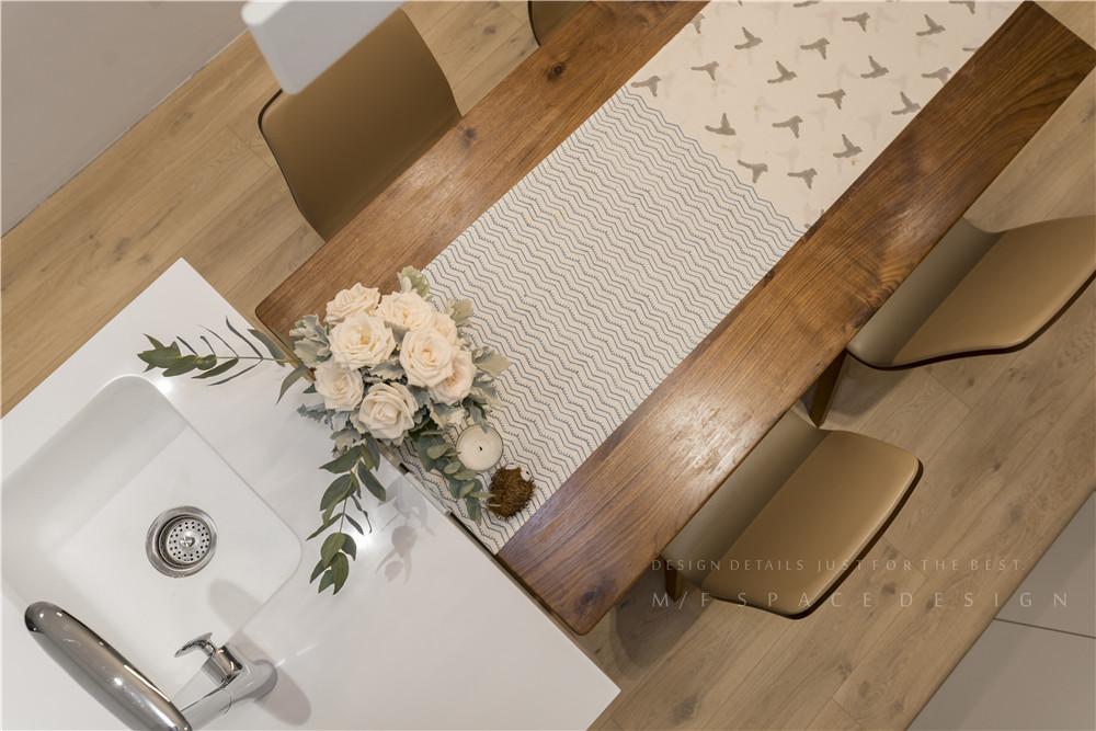 90平现代风装修餐桌椅设计图