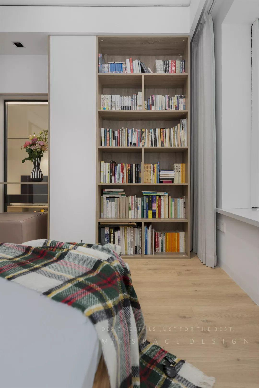 90平现代风装修书柜设计图