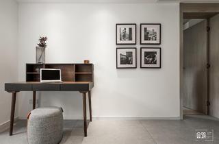60㎡小户型二居装修书桌设计