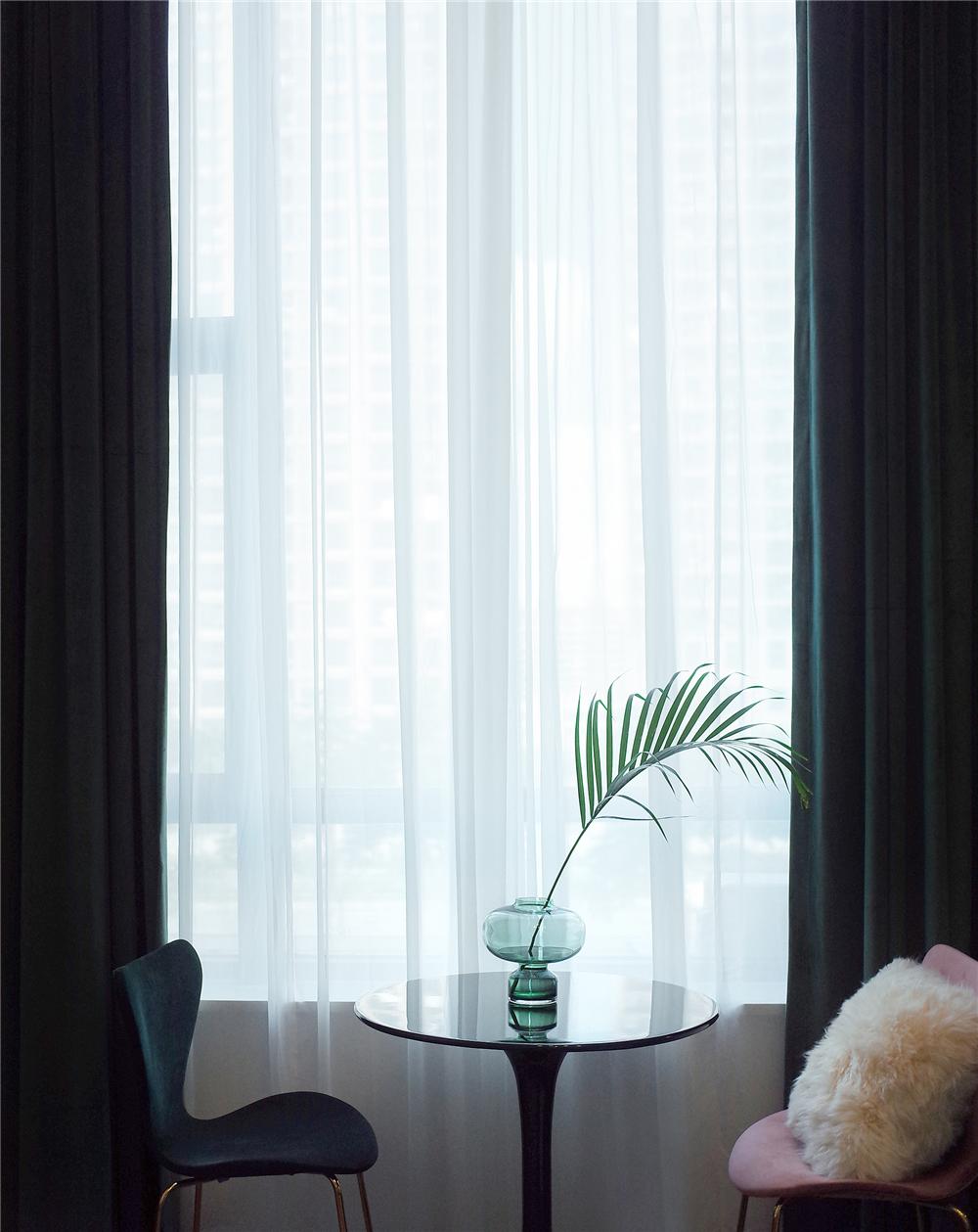 36㎡Loft轻奢风装修客厅小景