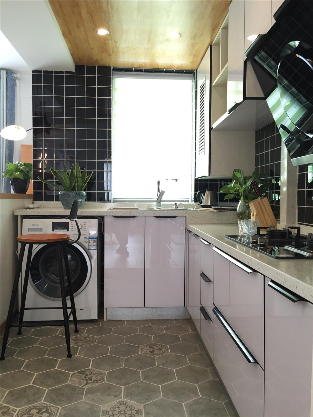 60㎡小户型北欧风厨房装修效果图