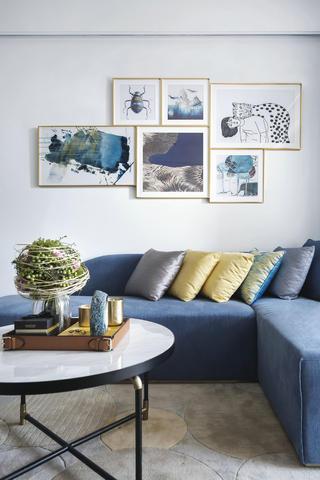 现代简约风格装修沙发抱枕搭配图