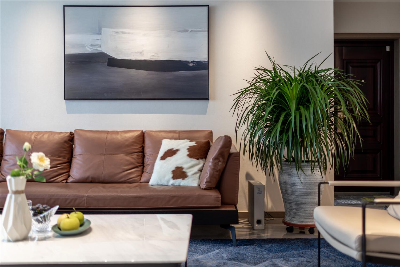 160㎡简约现代三居装修沙发设计图