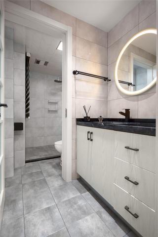 80平米二居室卫生间装修效果图
