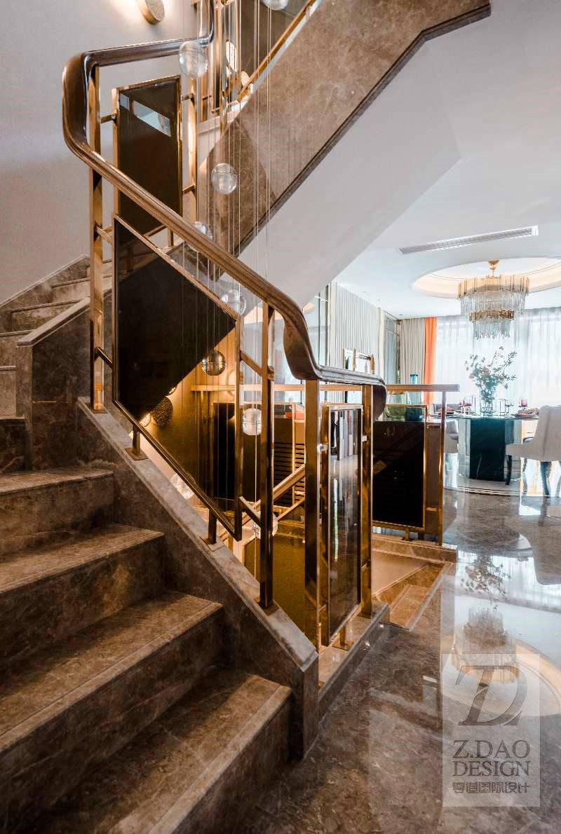 时尚轻奢别墅楼梯装修效果图