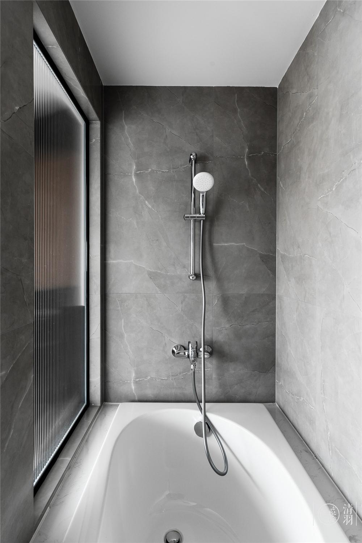 大户型现代简约风装修浴缸设计