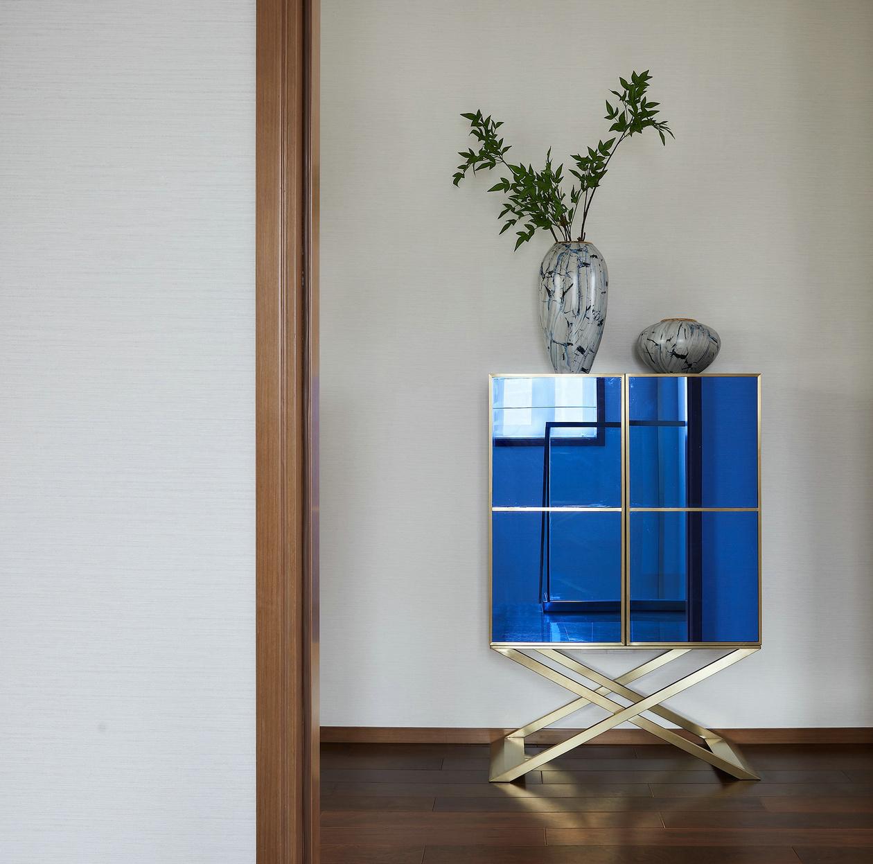 现代新中式别墅装修装饰边柜设计