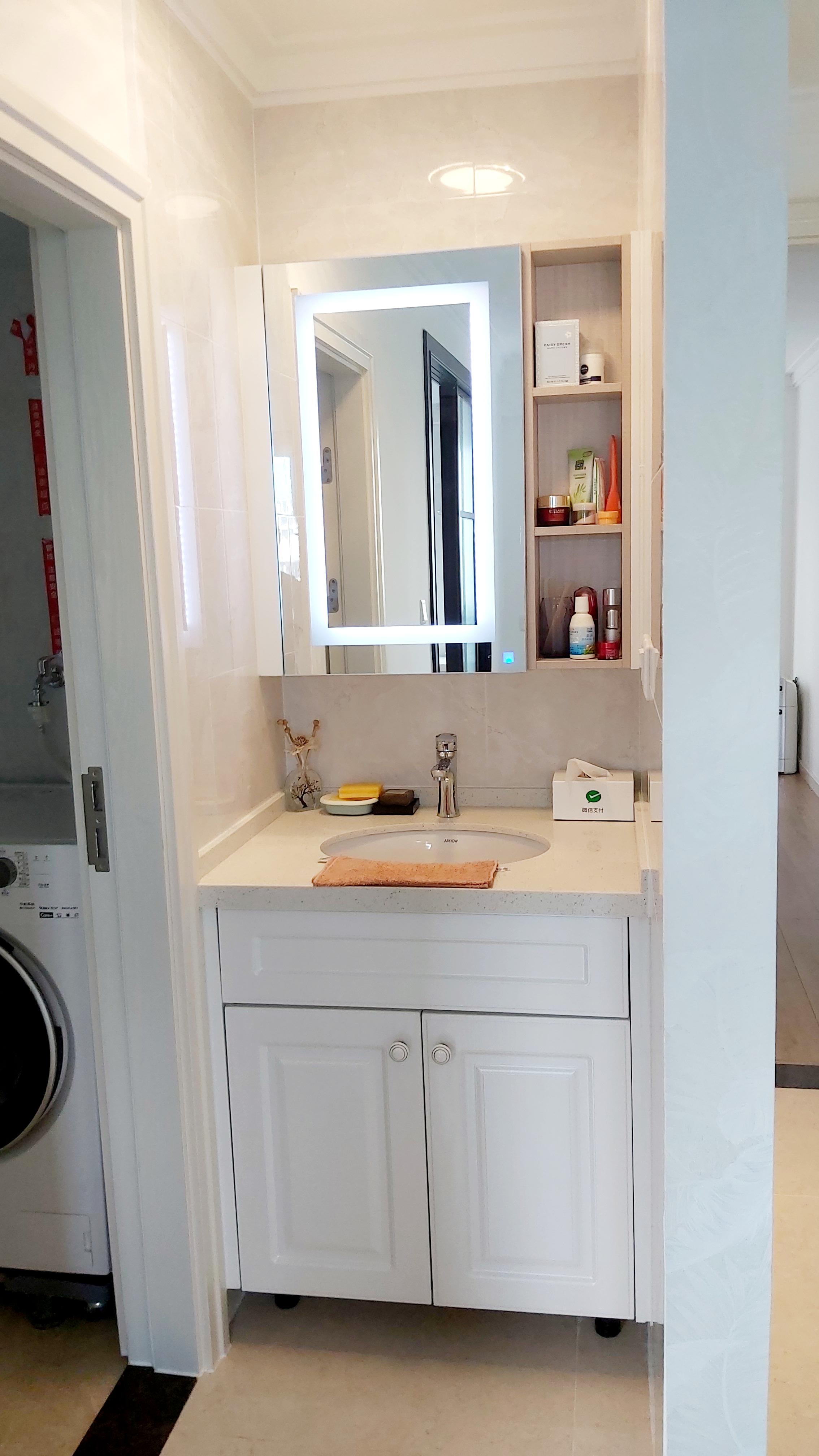 三居室简约风洗手台装修效果图