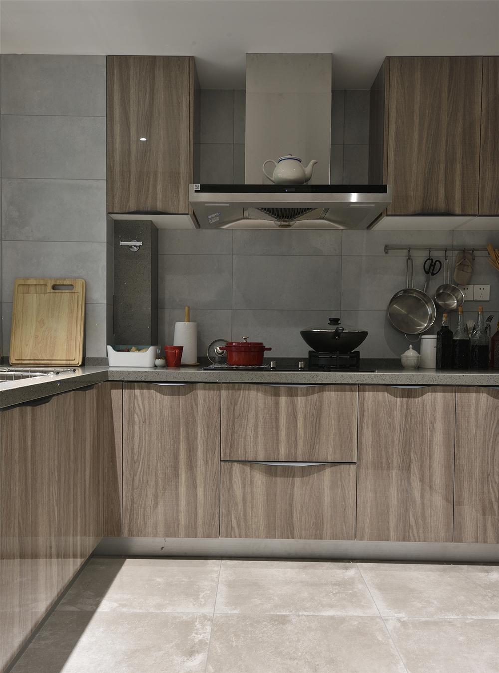 120平米现代风厨房装修效果图