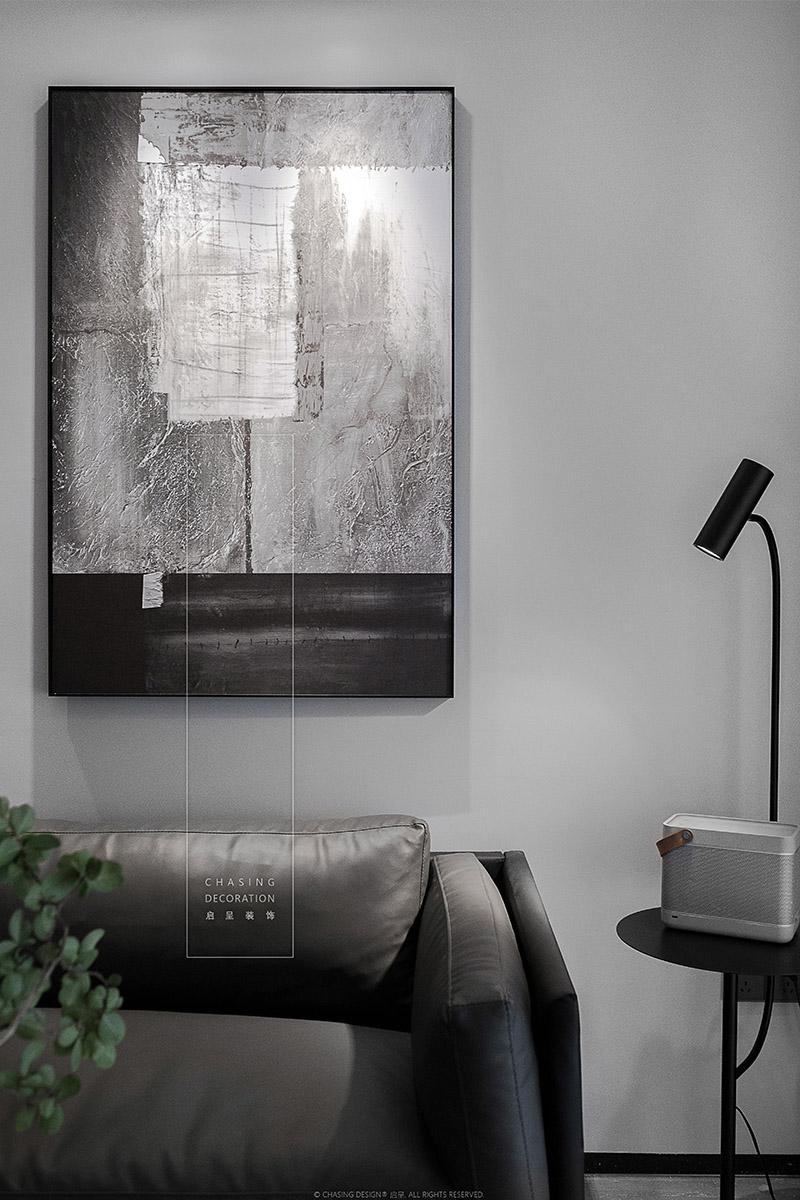 现代简约风二居装修挂画装饰设计