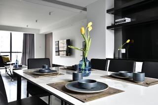 152平现代简约风装修餐桌布置图