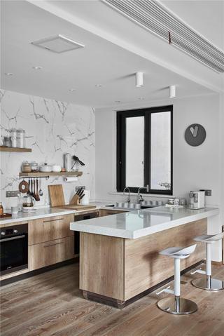 日式风格别墅厨房装修效果图