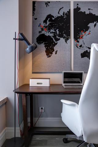 三居室简约现代风装修书桌设计