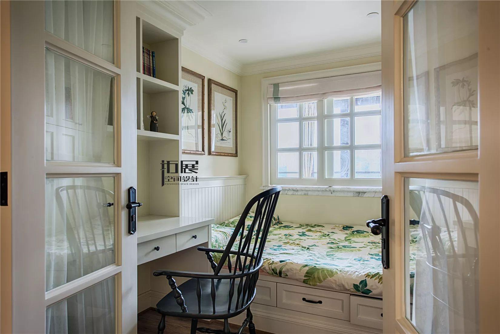 四居室美式风格榻榻米卧室装修效果图