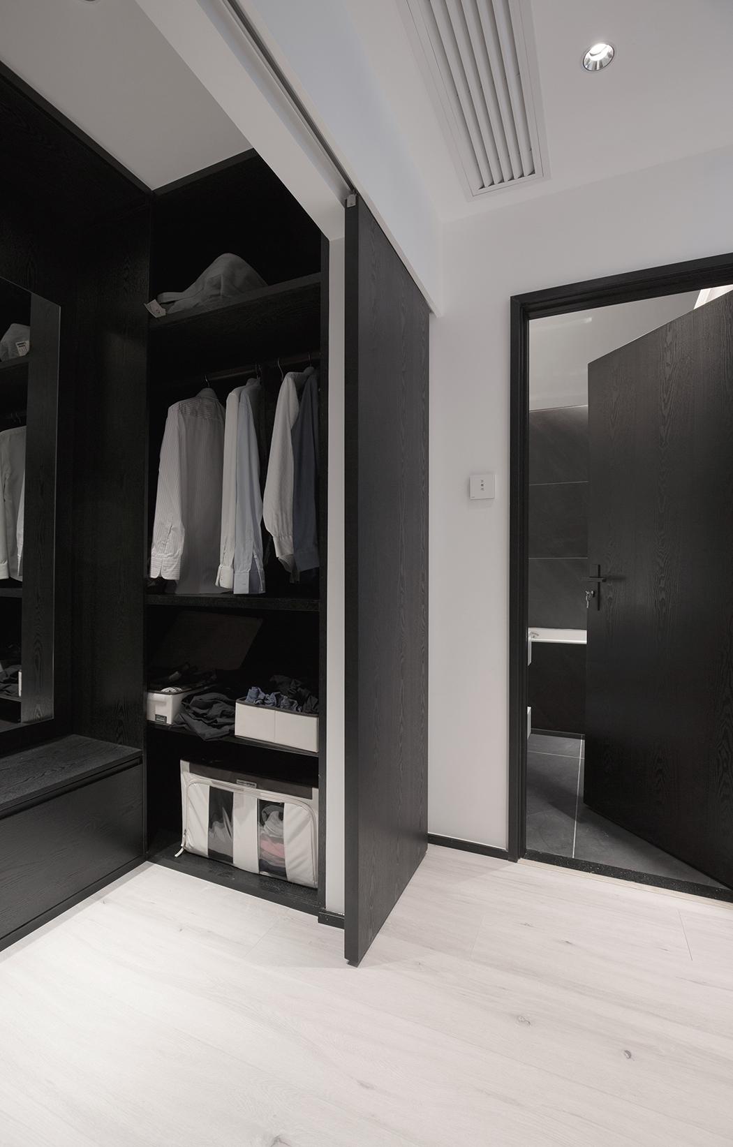 黑白灰现代简约衣帽间装修效果图