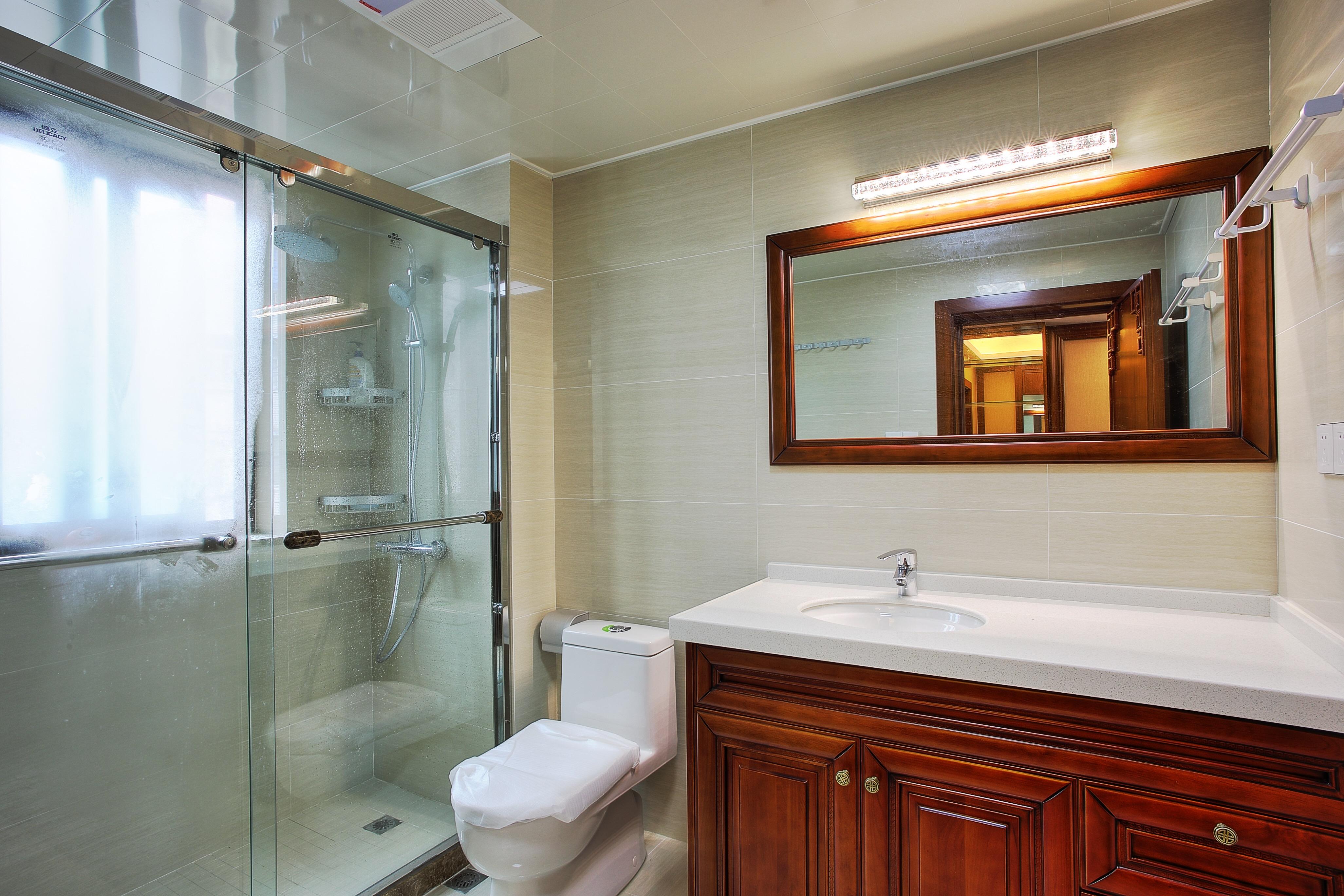 中式风格二居室卫生间装修效果图