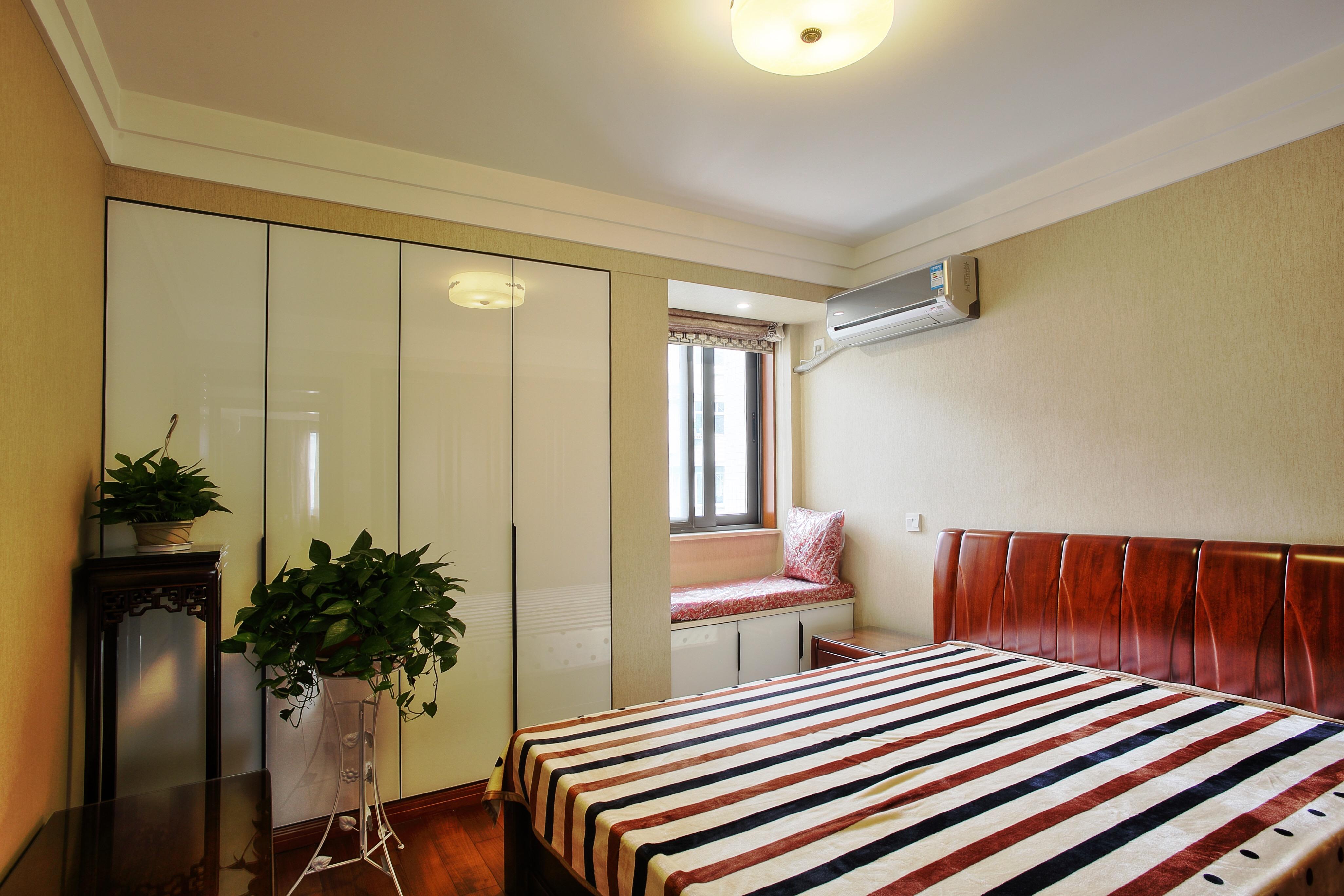中式风格二居卧室装修效果图