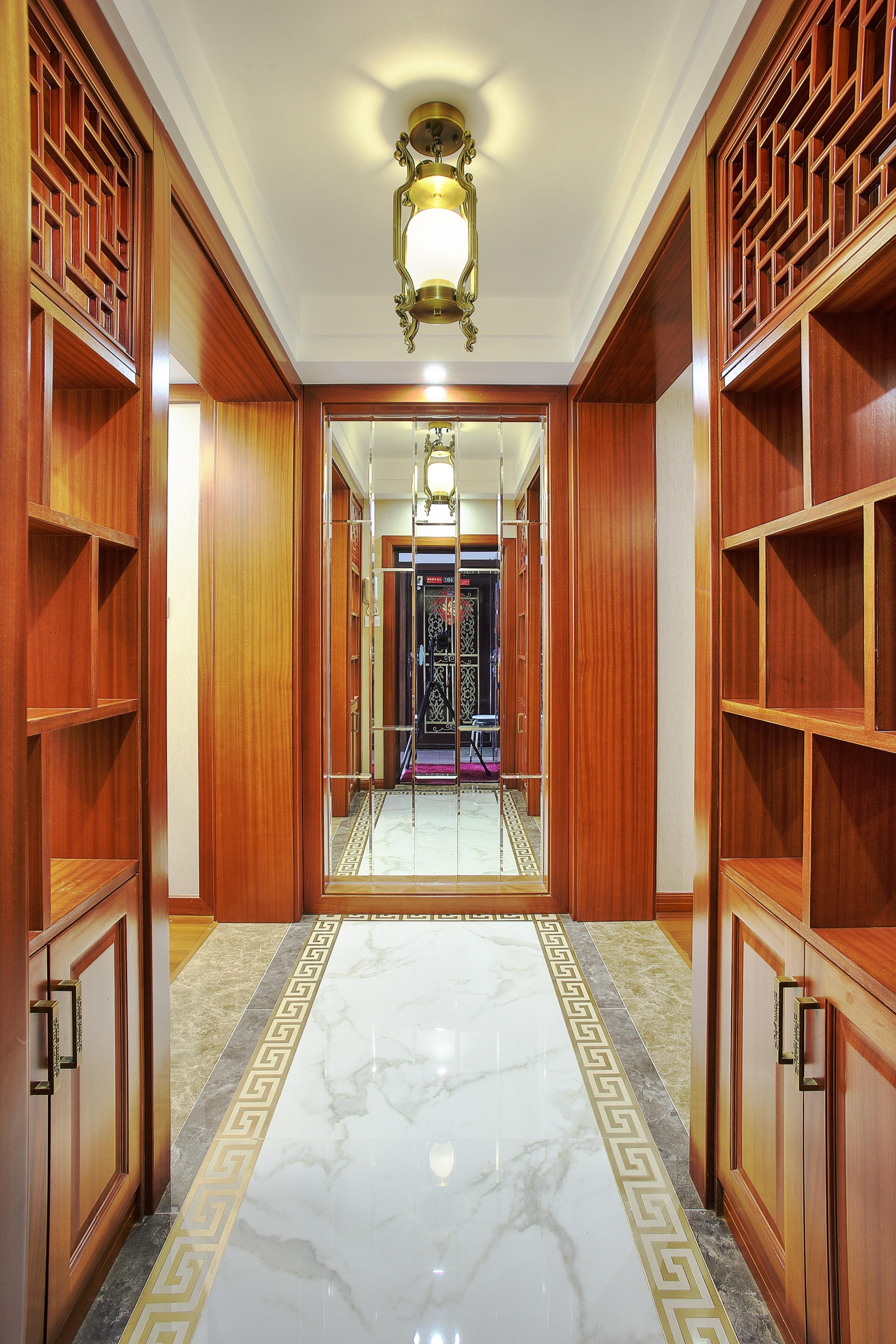 中式风格二居室门厅装修效果图
