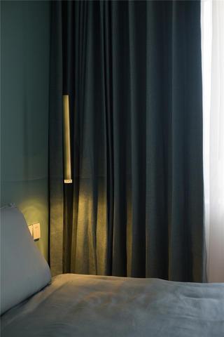 极简三居装修床头吊灯设计