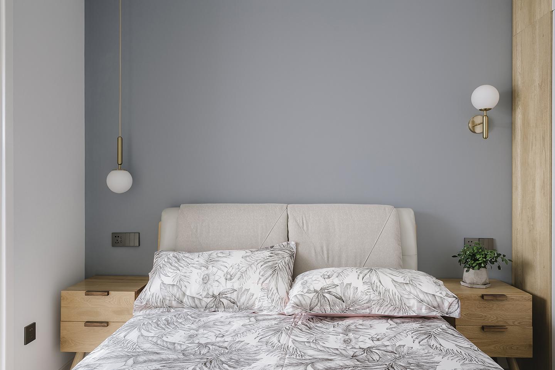 简约风格三居卧室背景墙装修效果图
