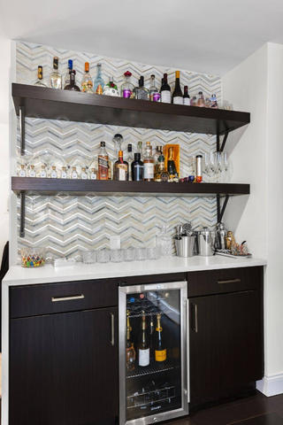 135㎡现代二居室装修酒柜设计图