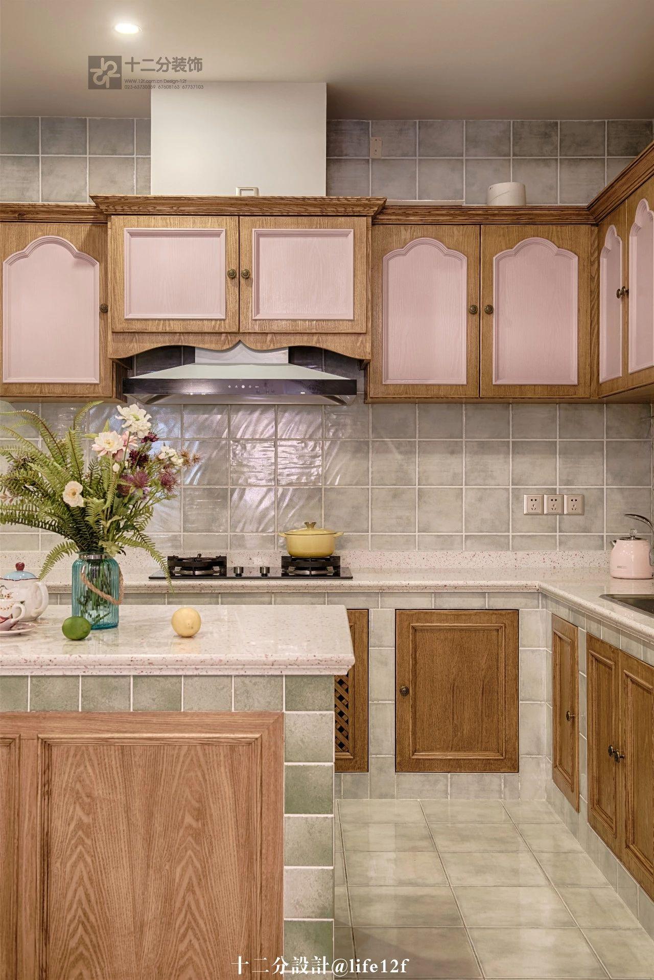 法式乡村风格别墅厨房装修效果图