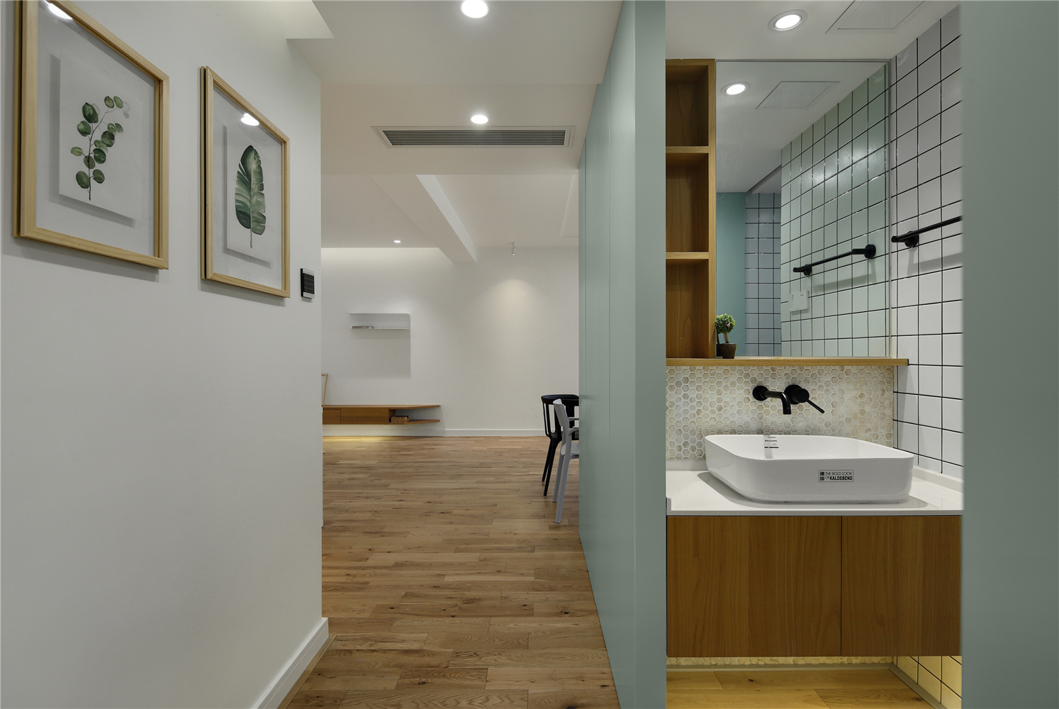 129平米三居室洗手台装修效果图