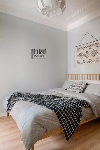 北欧风格两居卧室装修布置图