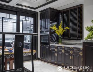 大户型新中式装修餐边橱柜设计