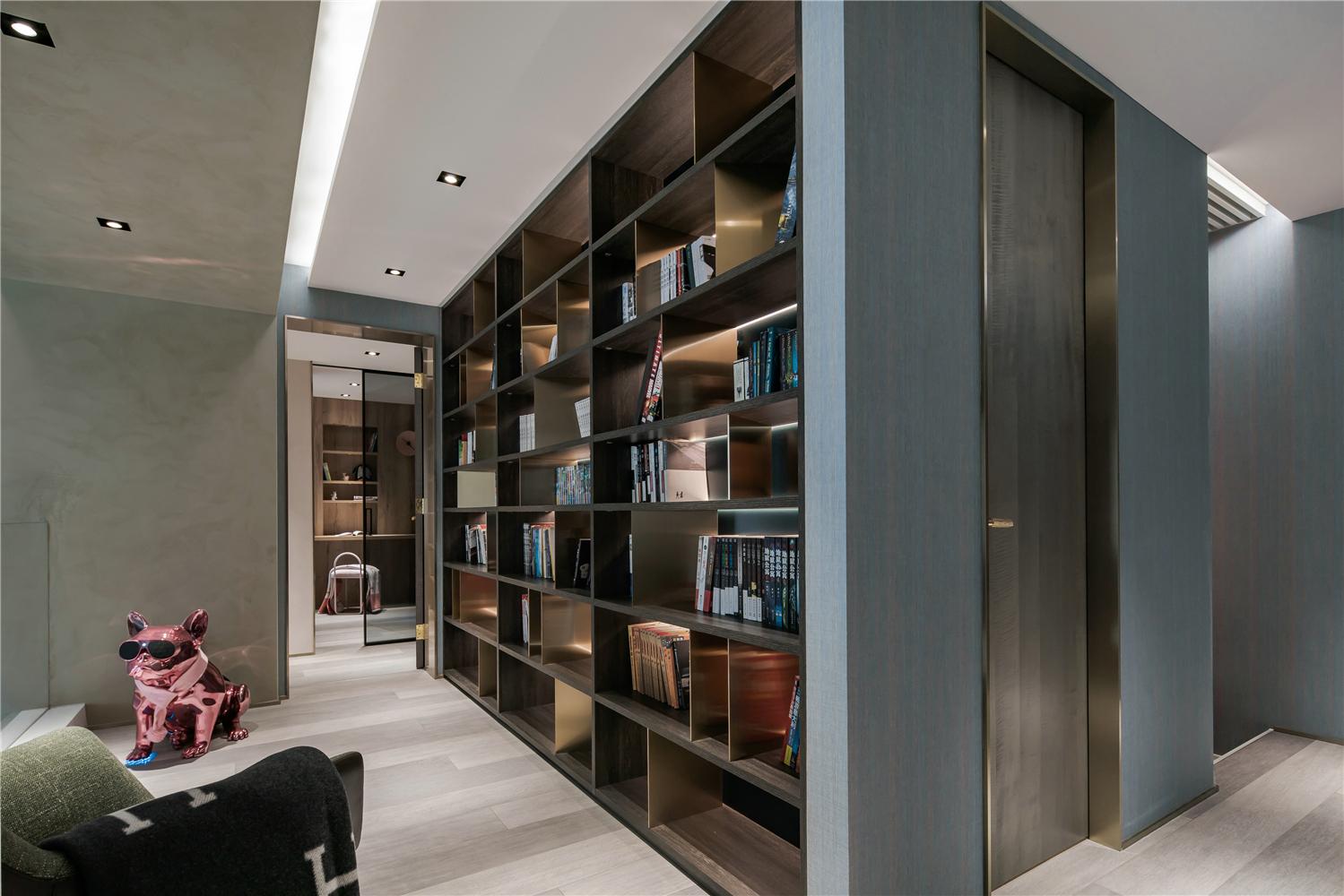 300㎡复式公寓书柜装修效果图