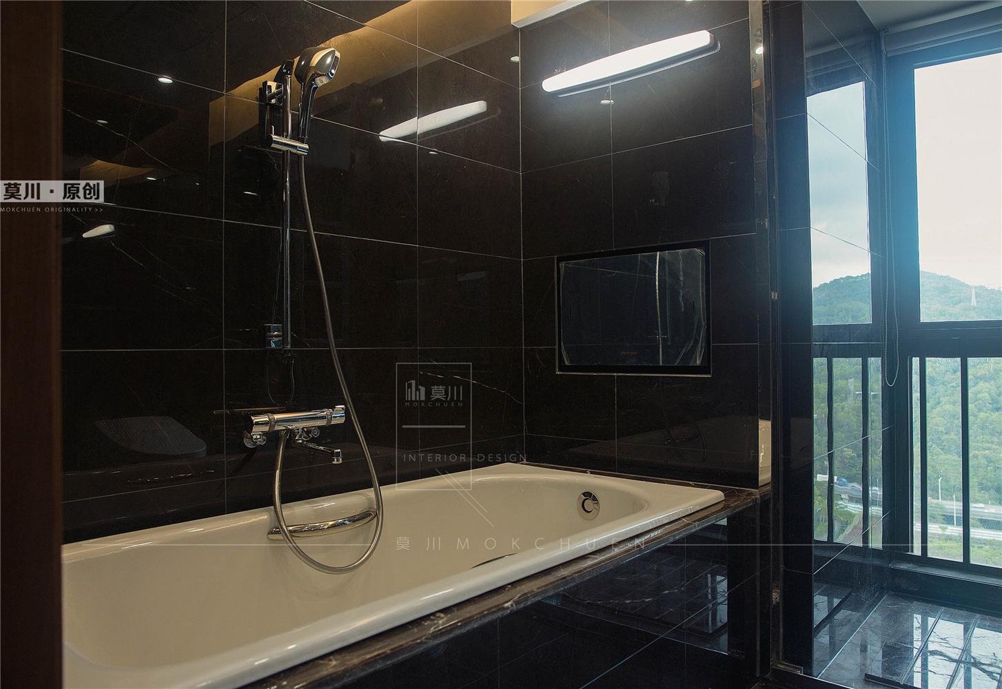 89㎡现代简约装修浴缸设计图