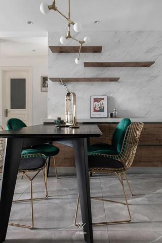 89㎡休闲法式风格装修餐桌椅设计图