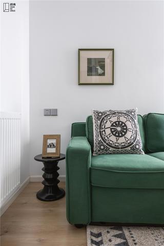 轻奢美式风三居装修沙发设计图