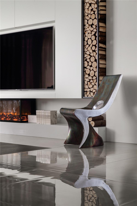 现代混搭风格别墅装修铁艺造型椅设计