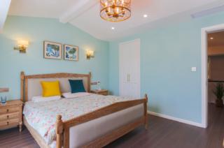 复式美式风格卧室装修效果图