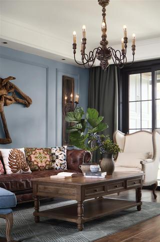 复古美式风格四居装修吊灯设计图
