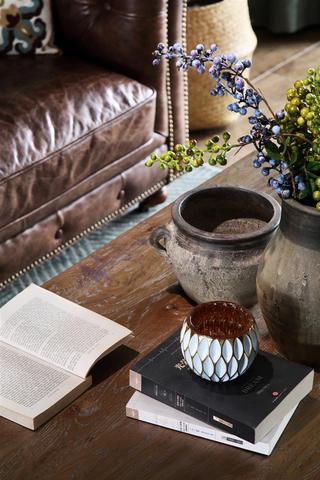 复古美式风格四居装修茶几摆件特写