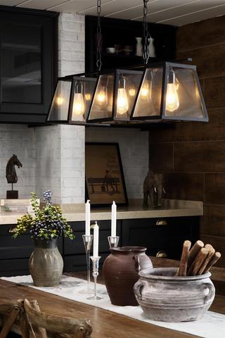 复古美式风格四居装修餐厅吊灯设计