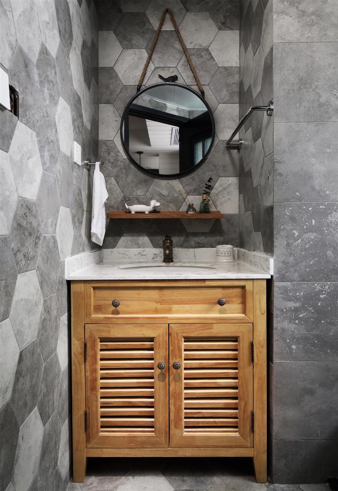 复古美式风格四居洗手台装修效果图