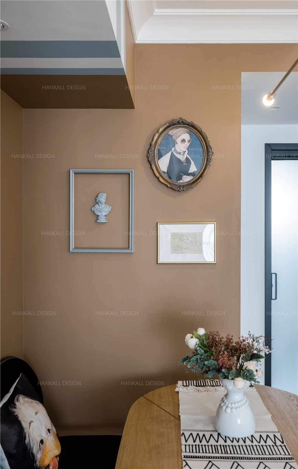 90平米二居室装修餐厅挂画装饰设计