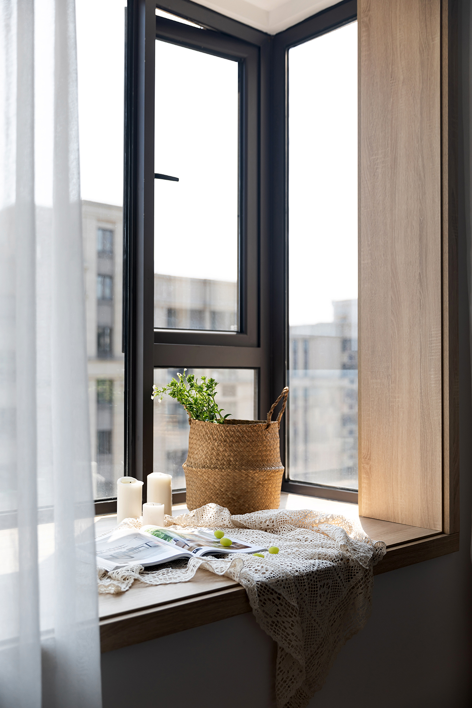 日式风格三居室飘窗装修效果图