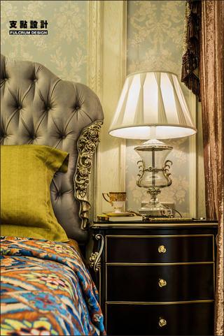 大户型奢华法式风格装修床头台灯设计