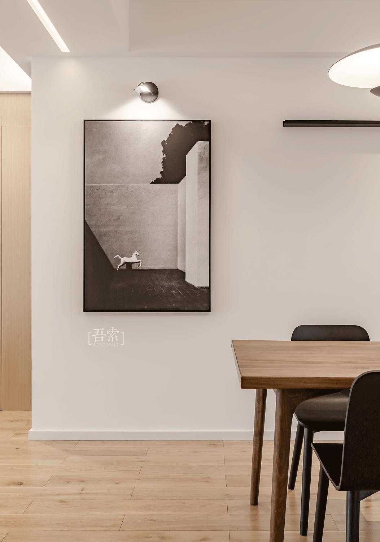 简约现代风格三居装修餐厅挂画图片
