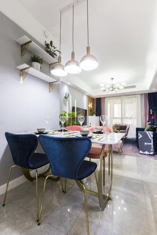 四居室现代轻奢风餐厅装修效果图