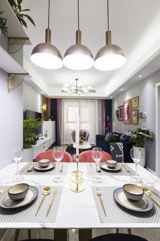 四居室现代轻奢风客餐厅装修效果图