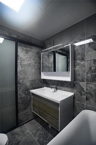 120㎡三居室装修卫生间效果图