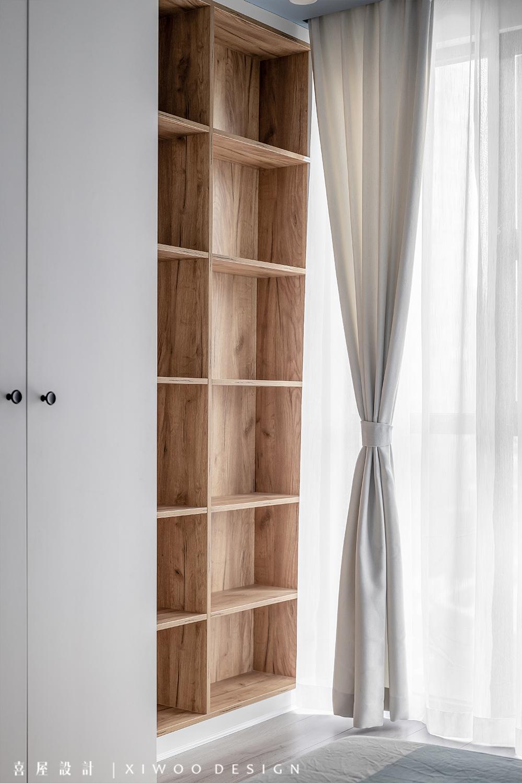 115平米三居室装修书架设计图
