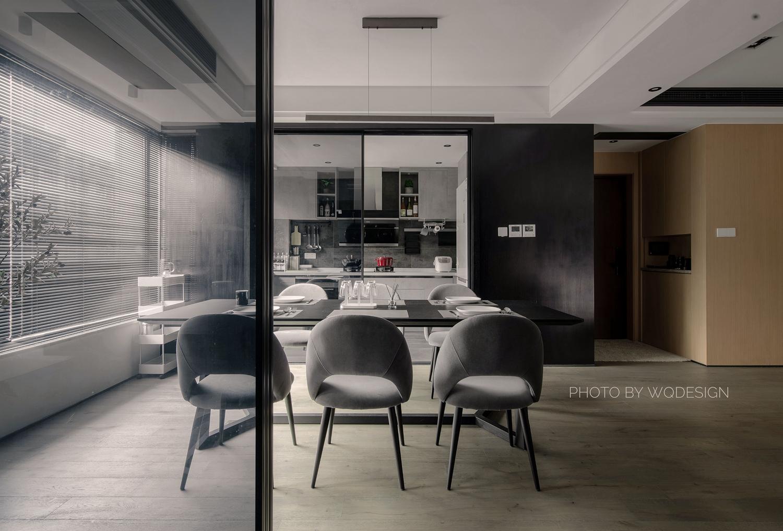 140㎡现代风三居室餐厅装修效果图
