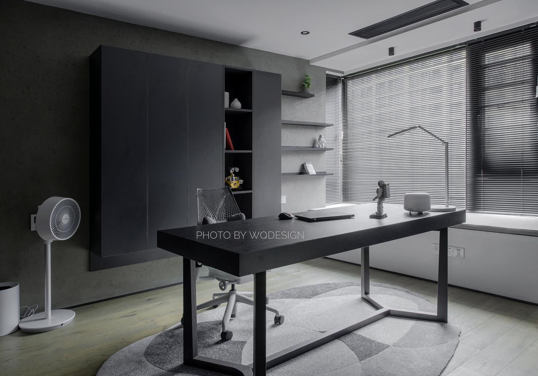 140㎡现代风三居室书房装修效果图